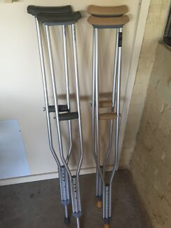 Adjustable crutches Medowie Port Stephens Area Preview