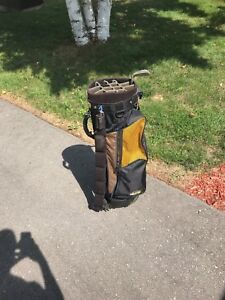 Golf bag with free sand wedge
