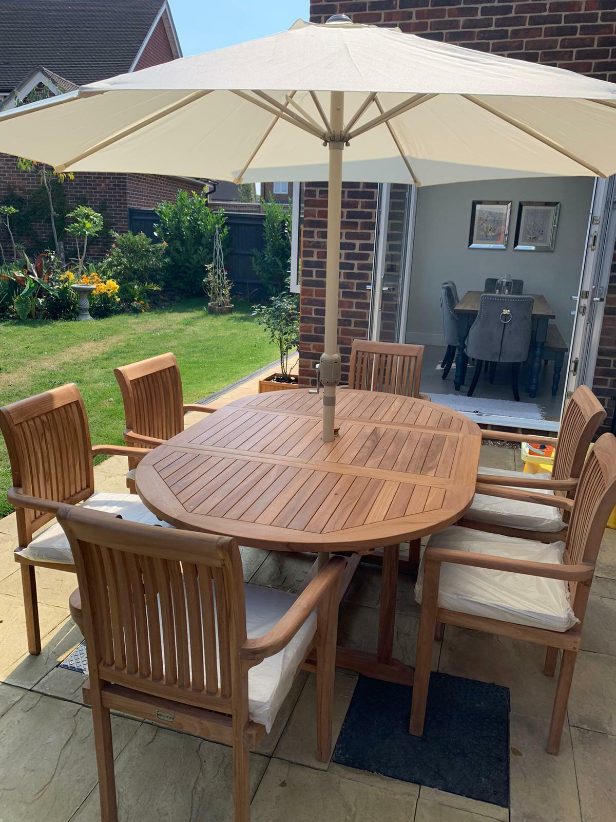Garden Furniture - TEAK GARDEN FURNITURE 6 SEATER EXTENDING TABLE AND CHAIR SET WITH CUSHION