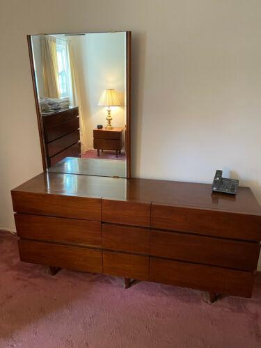 American Of Martinsville Mid-Century Modern 6 Piece Bedroom Set