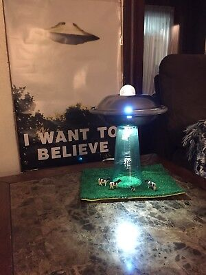 Area 51 Alien Flying Saucer X Files Ufo Beam Cow Abduction Lamp Light Prop