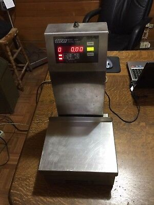 Doron Model 41004105 Class Iii Scales With Stainless Steel Platform Used