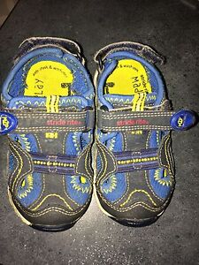 Stride Rite Toddler Boy shoes size 6M