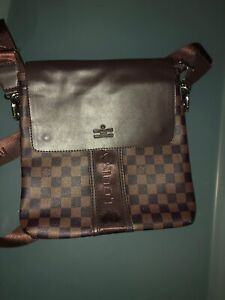 For sale:  Louis Vuitton and Gucci bags for Men and Women
