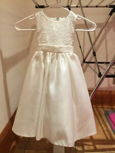 Flower Girl/First Communion Dress, Size 4-6 yrs