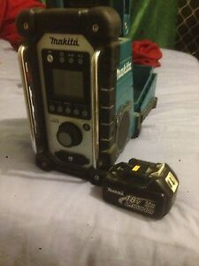 Makita radio Trinity Park Cairns Area Preview