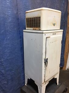 GE refrigerator csx-48 vintage from the 1930's works!