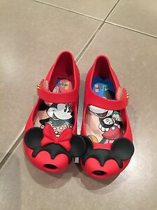 Mini Melissa Red Disney Twins II Nollamara Stirling Area Preview