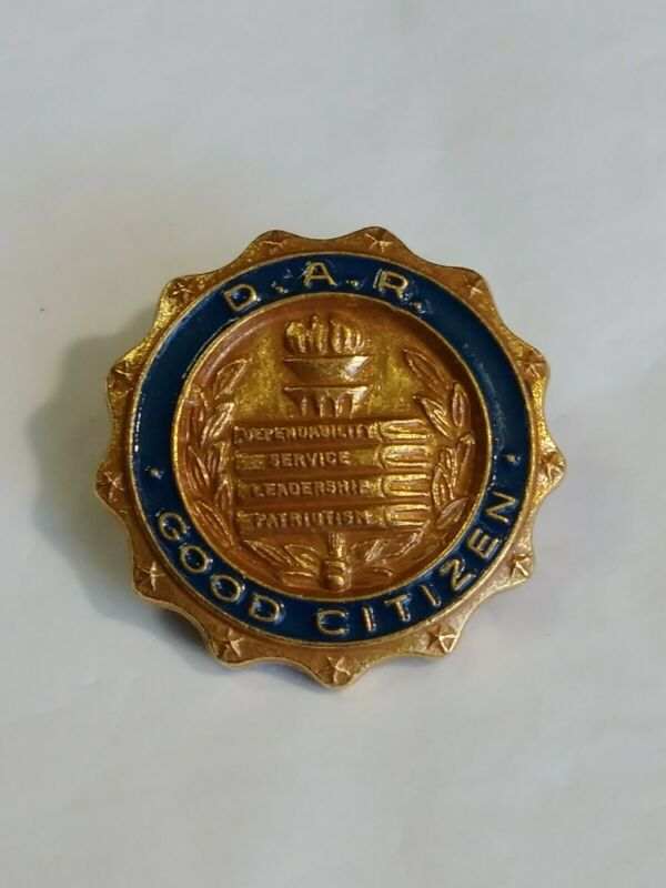 D.A.R. Good Citizen Award Scholarship Pin Daughters Of Thee American Revolution