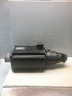 Indramat Permanent Magnet Motor Mac112b-0-gg-3-f130-b-1plug Opposite