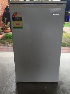 100 litre DEC bar fridge Boronia Knox Area Preview