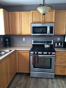 Kitchen cabinet buy sell items tickets or tech in for Kitchen cabinets barrie