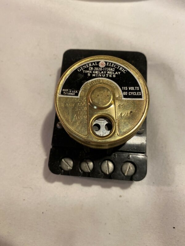 General Electric 5 Min. Time Delay Relay CR-2820 Vintage 1944 Model Train