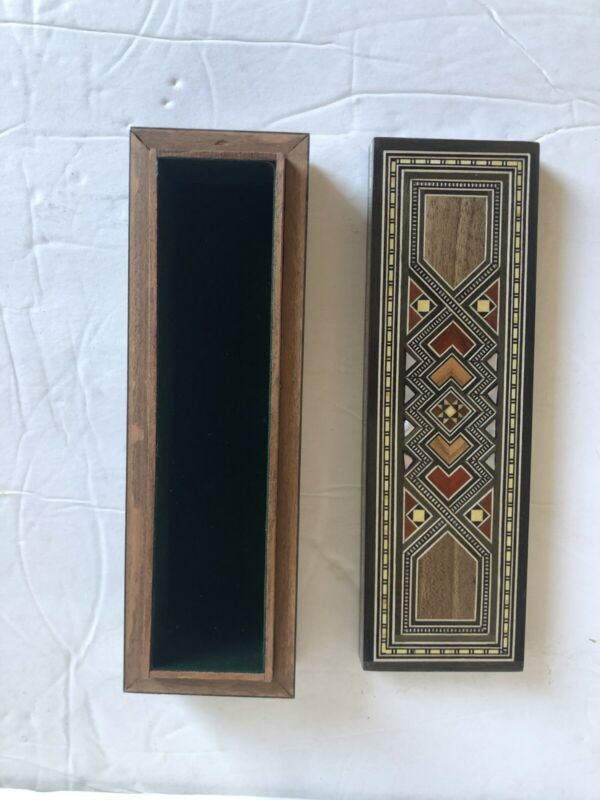Handmade WOODEN MOSAIC Mother of Pearl wooden  OVAL  BOX3