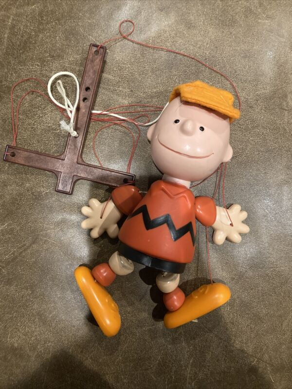 VINTAGE PEANUTS CHARLIE BROWN PELHAM PUPPET MARIONETTE United Feature Syndicate