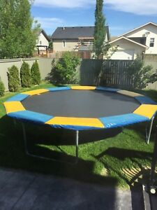 Trampoline 14' professional. Super bouncy