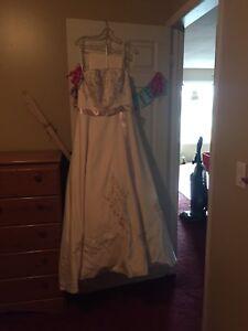 Never worn wedding dress NEW PRICE