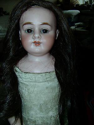 ALMA 2/0 Porzellankopf Puppe um 1900 alte Kleidung Taufkleid