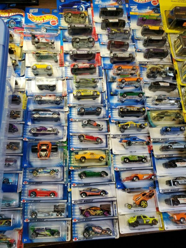 Hot Wheels, Mixed lot of 30! Cars will vary in age. no duplicates. FREE SHIPPING