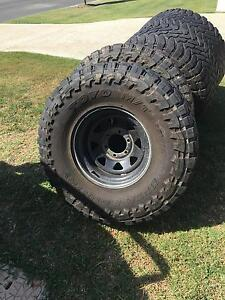 35 inch tyres and wheels Murrumba Downs Pine Rivers Area Preview