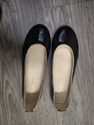 Sonatina girls Black New Shoes Size 33 Patent Leather Gold Trim made in spain
