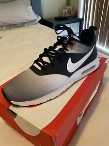 Nike air tavas and nmd !!