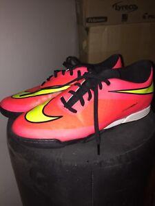 Nike hypervenom turf soccer shoe-size 8.5 mens