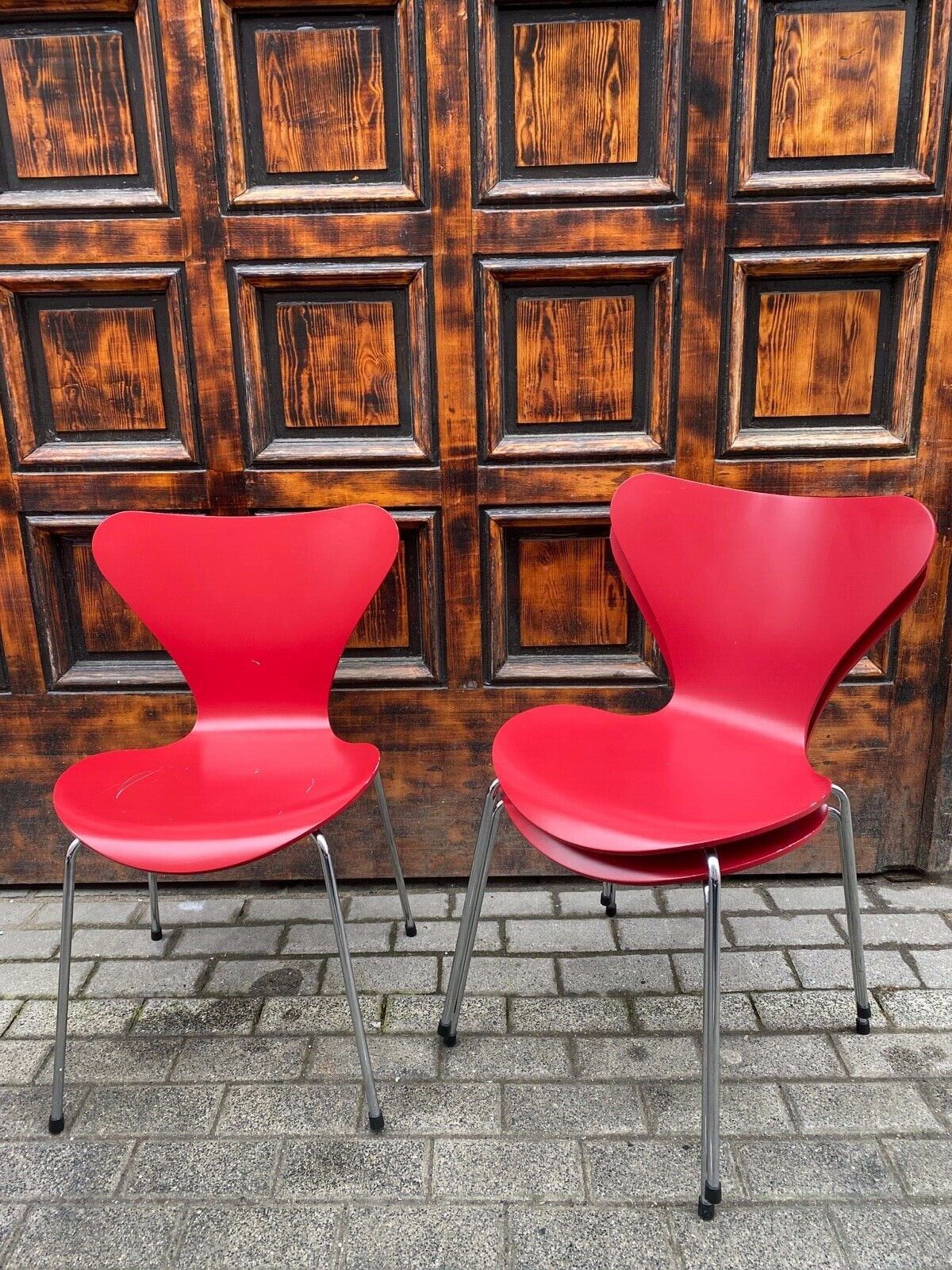 1/3 Fritz Hansen Arne Jacobsen Serie 7 in rot Designerstuhl