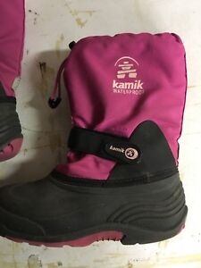 Girls winter boots size 2