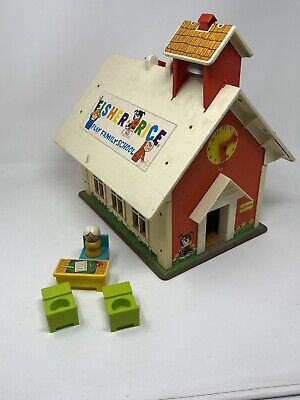 Vintage 1971 Fisher Price Little People Play Family School House 923 School