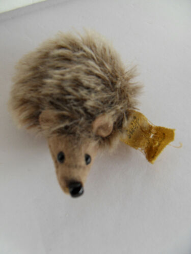 Steiff hedgehog porcupine miniature mohair button flag 2519
