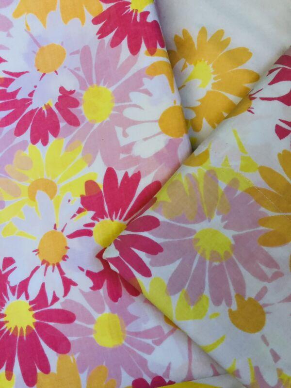 Vintage Pequot Mod Flower Twin Sheet Set