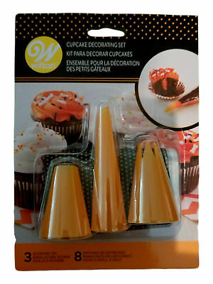 Halloween Cupcake Decoration Kit 3 pc  Wilton Tips Orange and 8 Bags - Halloween Decorating Tips
