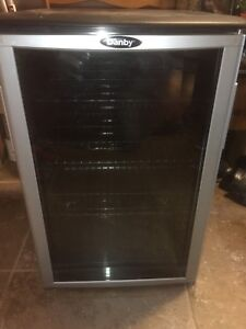 Bar fridge/danby