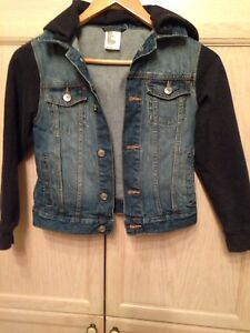 Boy's H&M mixed media jean jacket, size 7 to 9