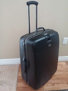 "Samsonite 30"" hard shell lugguage"
