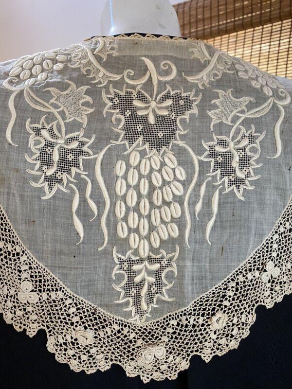 ANTIQUE LAVISHLY HAND EMBROIDERED LARGE DRESS COLLAR WITH IRISH CROCHET TRIM