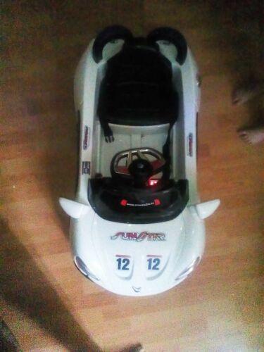 Crooza Roadster mit 2 Motoren mp3 LED Elektro Kinderauto nur in Wohnung benutzt