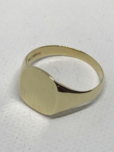9ct Yellow Gold Square Signet Ring 375 Hallmaarked Brand New