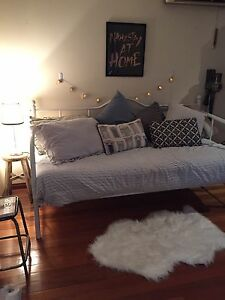 Day bed / single bed Balmain Leichhardt Area Preview