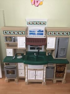 Like New Play Kitchen