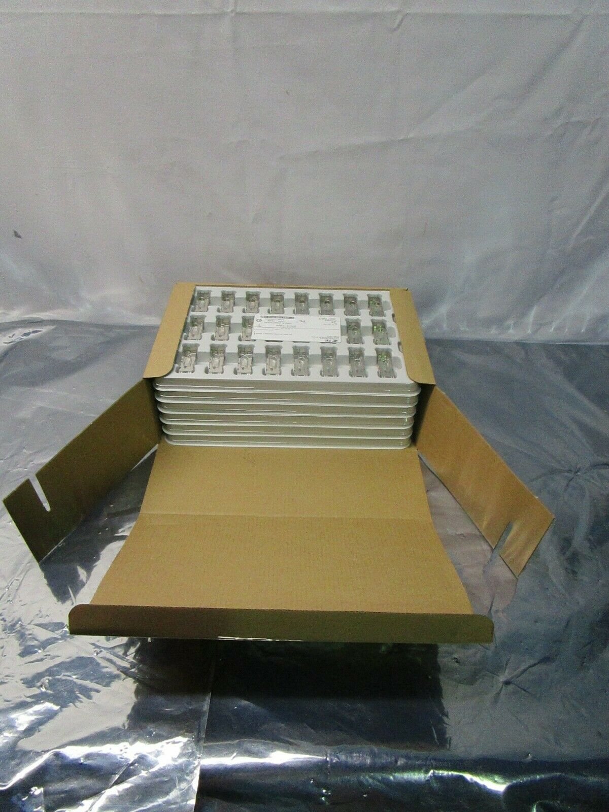 1 Lot of 144 TE connectivity 2007198-2 I/O Connectors SFP+ 1x1 Cage Assy, 102570