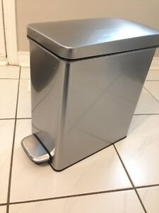 Simple human waste basket/garbage can