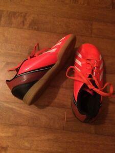 Adidas indoor soccer boys size 11
