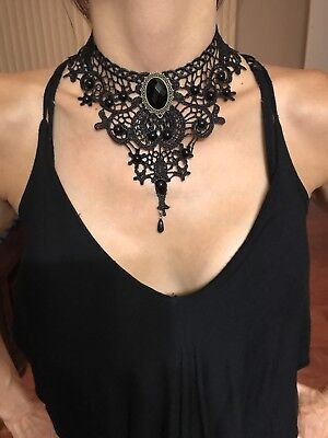 (Black Lace Gothic Lolita Retro Pendant Choker Necklace For Women)