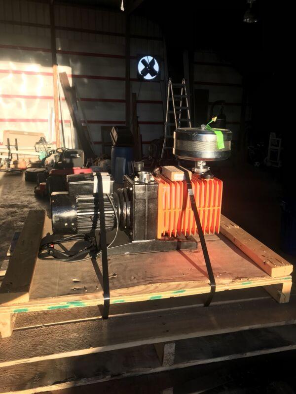 Alcatel SpectraVac 2033 2-Stage Rotary Vane Vacuum Pump Single Phase