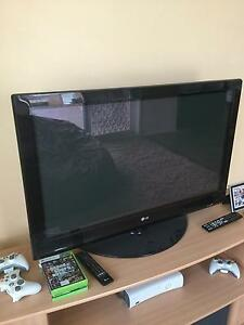 FREE!! LG 46 inch (108cm) tv great for gaming Wollongong Wollongong Area Preview