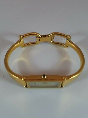 Vintage Gucci 1500 Gold Tone with Mother of Pearl Face Ladies Watch Horse Tackle