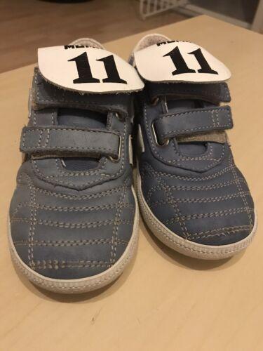 Coole Fußball Schuhe 27 Momino Neuwertig