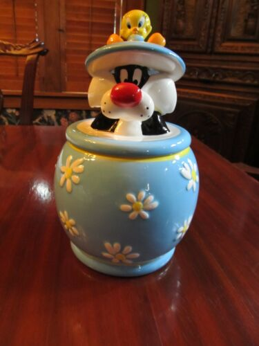 "NIB Westland/Looney Tunes Sylvester and Tweety bird cookie jar. ""Best Friends"""